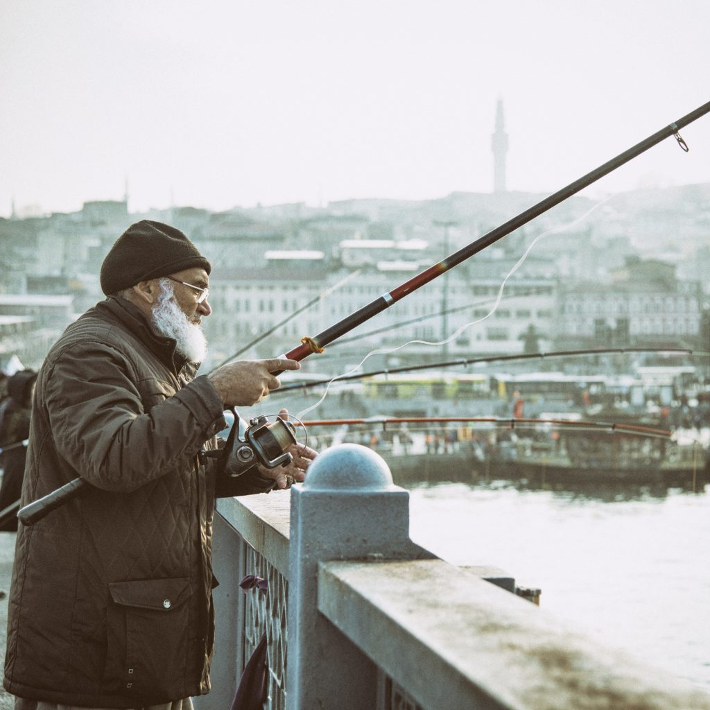 on-the-road-magdalena-menzinger-istanbul-mosque-galata-bridge