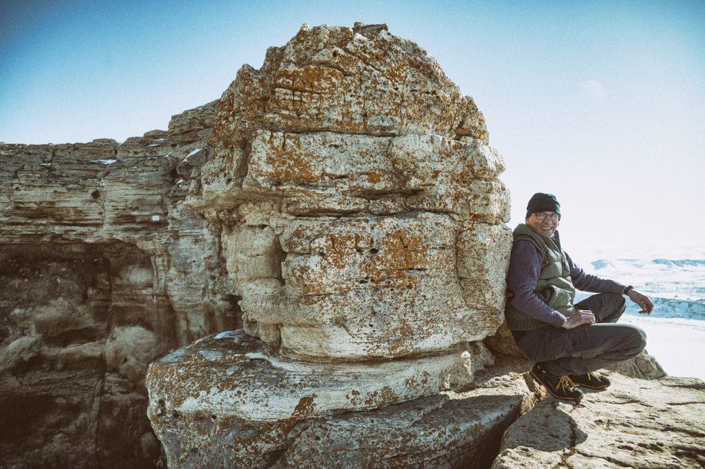 on-the-road-magdalena-menzinger-iran-takht-e-soleyman-volcano