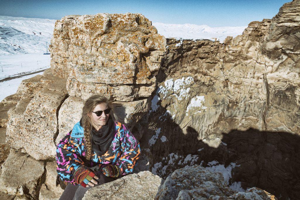 on-the-road-magdalena-menzinger-iran-takht-e-soleyman-volcanoe-mag